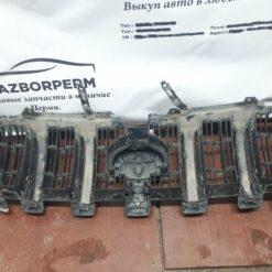 Решетка радиатора Toyota   2