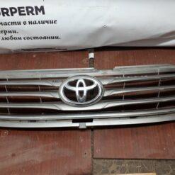 Решетка радиатора Toyota   1