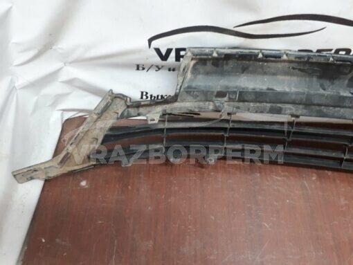 Решетка бампера переднего центральная (под ПТФ) Toyota RAV 4 2016>  5311342080 б/у