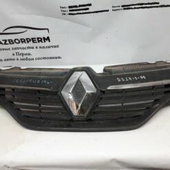Решетка радиатора Renault Sandero 2014>  623105727R б/у