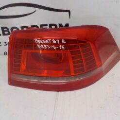 Фонарь задний правый наружный (в крыло) Volkswagen Passat [B7] 2011-2015  3AE945208B б/у