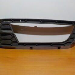 Окантовка ПТФ передней левой Skoda Octavia (A7) 2013>   5E08076819B9 б/у