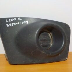 Решетка бампера переднего правая (без ПТФ) Mitsubishi L200 (KB) 2006-2016