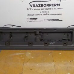 Обшивка багажника задняя (задней панели) центр. Toyota Land Cruiser (200) 2008>  6478060320 б/у