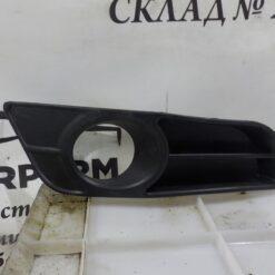 Решетка бампера переднего правая (под ПТФ) Toyota Corolla E12 2001-2007  5212702120