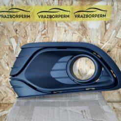 Решетка бампера переднего левая (под ПТФ) Renault Logan II 2014>  263363542R