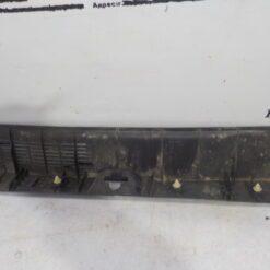 Обшивка багажника задняя (задней панели) центр. Mitsubishi Outlander (GF) 2012>  7240A135 2
