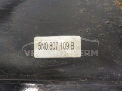 Усилитель переднего бампера Volkswagen Tiguan 2007-2011  5N0807109B