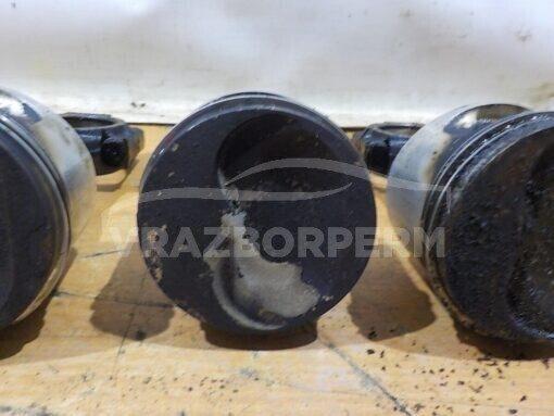 Поршень с шатуном VAZ 21083  2111