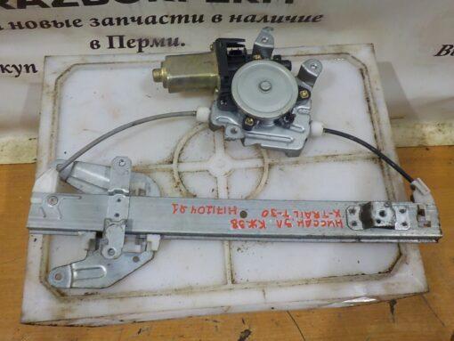 Стеклоподъемник электр. задний левый Nissan X-Trail (T30) 2001-2006  827218H300, 8073089913
