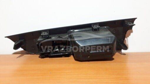 Блок управления стеклоподъемниками зад. прав. Toyota Land Cruiser (200) 2008>  7427060030