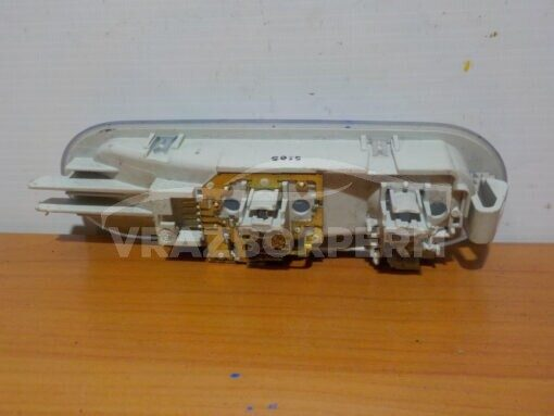 Плафон салонный зад. Renault Sandero 2009-2014   8200074362