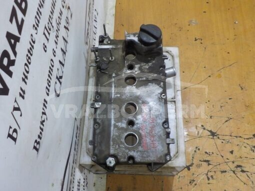 Крышка клапанная (крышка ГБЦ) VAZ 21100  21120100326000, 21120100326030