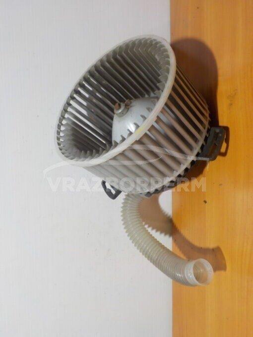 Моторчик отопителя Mazda Mazda 3 (BL) 2009-2013  8727000861.8727000860