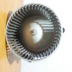 Моторчик отопителя Mazda Mazda 6 (GG) 2002-2007 8727000361 1