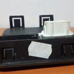Накладка (кузов внутри) центр. Renault Logan 2005-2014  8200739460 1