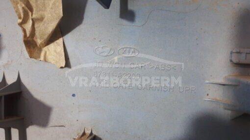 Накладка крышки багажника центр. Kia Ceed 2012>  87311A2200