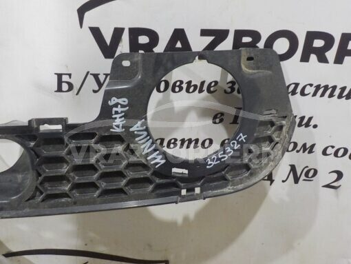 Решетка бампера переднего центральная (под ПТФ) VAZ Chevrolet NIVA 212308401016550  21230840101655