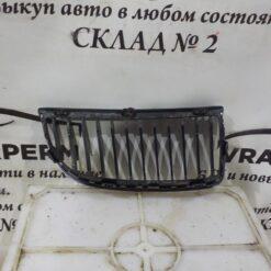 Решетка радиатора левая BMW 3-серия E90/E91 2005-2012  51137120007 1