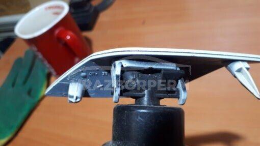 Форсунка омывателя фары правой перед. Volkswagen Golf VI 2009-2013  5K0955978A