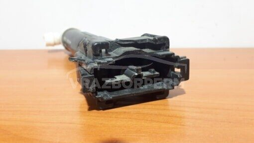 Форсунка омывателя фары левой перед. Lexus LX 570 2007>  8520860070