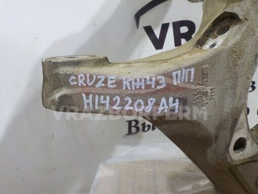 Кулак поворотный передний правый Chevrolet Cruze 2009-2016  13319481