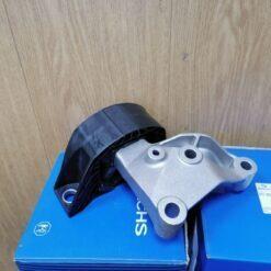 Опора двигателя правая Renault Logan II 2014>  112101292R, 112106577R 1