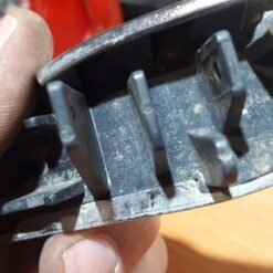 Крышка форсунки омывателя фары левой перед. Skoda Superb 2002-2008   3T0955109A 1