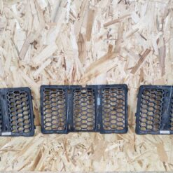Решетка радиатора Jeep Grand Cherokee (WK2) 2010> 68143074AD 2
