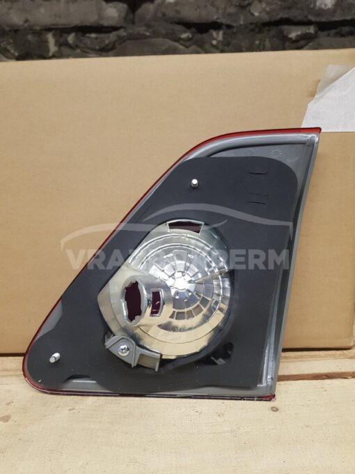 Фонарь задний левый внутренний (в крышку) Toyota Corolla E15 2006-2013  8159112100