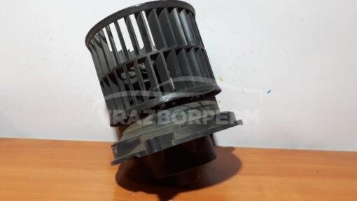 Моторчик отопителя перед. Ford Fusion 2002-2012   1252926