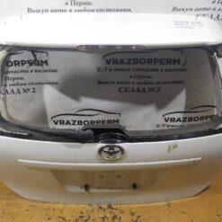 Крышка багажника Toyota Wish 2003-2009  6700568010