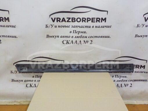 Накладка двери (молдинг) передн. прав. VAZ 21140  2114821214210