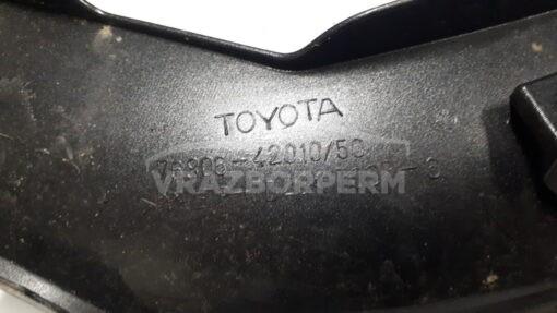 Накладка двери багажника зад. лев. Toyota RAV 4 2006-2013  7680642010
