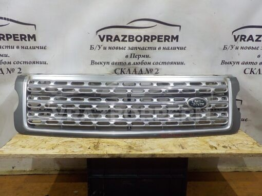 Решетка радиатора Land Rover Range Rover IV 2013>  LR077427