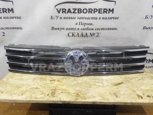 Решетка радиатора Volkswagen Touareg 2010-2018  7P6853651JZLL