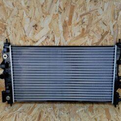Радиатор основной Chevrolet Cruze 2009-2016 13311079, 13336889 1