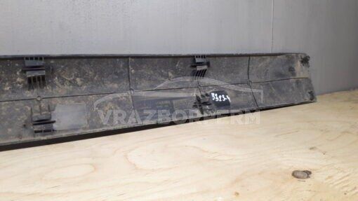 Накладка двери (молдинг) задн. лев. VAZ Lada Largus 2011>  8200476578