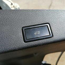 Кнопка открывания багажника Volkswagen Touareg 2010-2018  7L6959520C20H