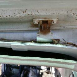 Петля двери багажника верхняя Volkswagen Touareg 2010-2018  1K6827301C, 1K6827301A