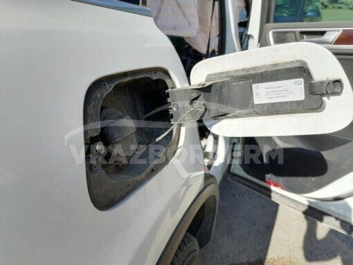 Ниша лючка бензобака Volkswagen Touareg 2010-2018  7P6809857A