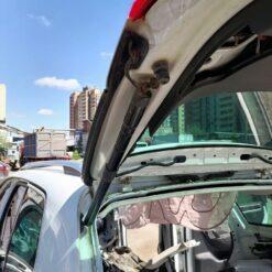 Амортизатор двери багажника Volkswagen Touareg 2010-2018 7P6827851DIIT 1