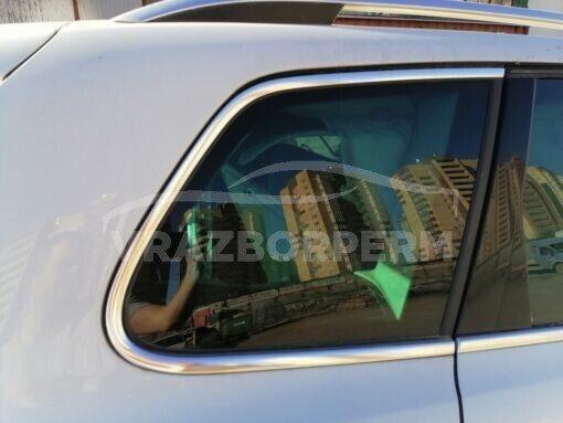 Стекло кузовное глухое заднее правое (форточка) Volkswagen Touareg 2010-2018  7P6845298SNVB
