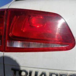 Фонарь задний левый внутренний (в крышку) Volkswagen Touareg 2010-2018 7P6945093A, 7P6945093C 2
