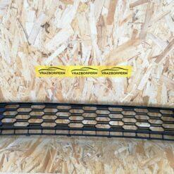 Решетка бампера переднего Skoda Rapid 2013-2020  5JA853677C9B9
