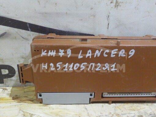 Блок комфорта Mitsubishi Outlander (CU) 2001-2008  MR587873