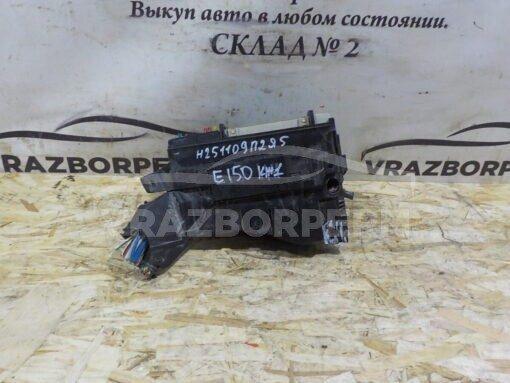 Блок предохранителей Toyota Corolla E15 2006-2013  8274112070