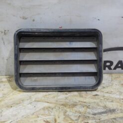 Клапан вентиляции багажника (шторка) зад. прав. Volkswagen Touareg 2010-2018  7PP819181A